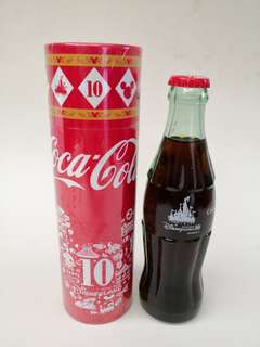 Coca Cola香港迪士尼十周年紀念樽一對
