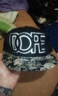 Topi snapback dope