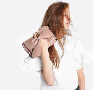 CHARLES&KEITH KNOTTED CLUTCH