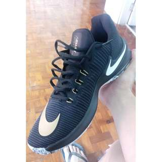 FOR SALE OR TRADE Air Max Infuriate 2 low basketball shoes size 11
