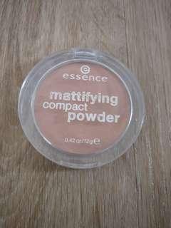 Essence Mattifying powder
