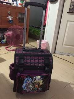 Monsterhigh trolley