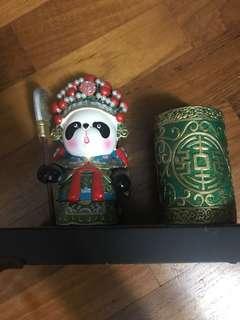 🚚 Cute panda pen stand