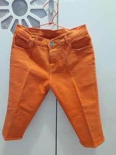 Celana Jeans 3/4 Orange