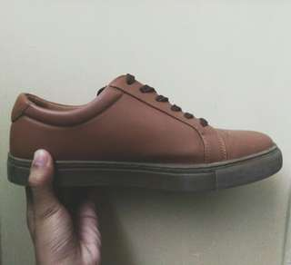 Shoes for men. (Brand: BENCH)