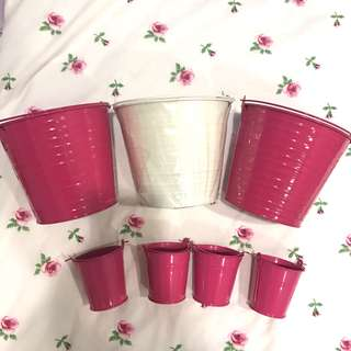 Set of 7 Metal Containers with Handle