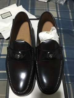 Gucci (brand New) Fits a size 9 and a half US