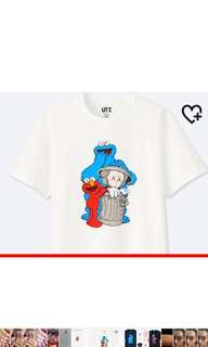 Kaws uniqlo size XL