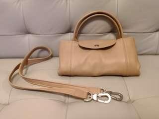 Longchamp LE PLIAGE CUIR Leather Medium Sized Handbag, soft and lightweight 小羊皮系列,明星都like用此款袋。