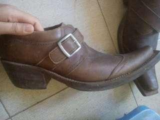 Sepatu Kulit Asli Lokal