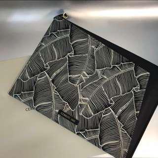 Cerruti 1881黑色幾何圖案clutch