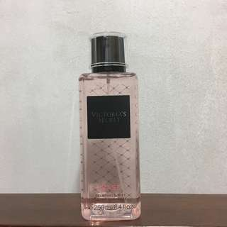 Victoria's Secret Fragrance Mist TEASE