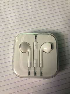 Apple IPhone earphones