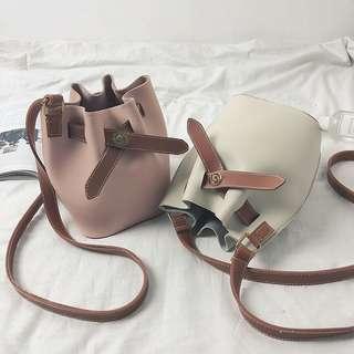 🚚 新款時尚復古撞色水桶包手提單肩斜跨包 (共3色)