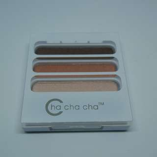 From taiwan BRAND NEW Eyeshadow Palette