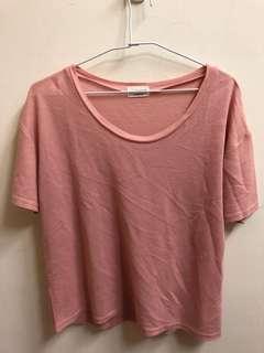 🚚 淡粉色 上衣