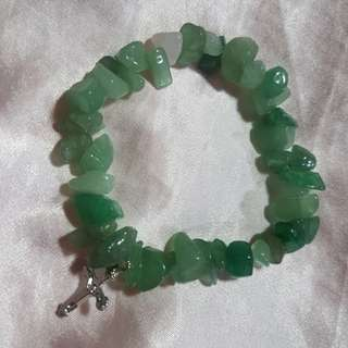 Jade  chip stone bracelet with cross