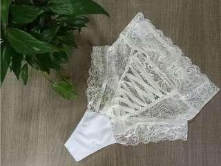 🚚 重磅鏤空綁帶純白性感內褲