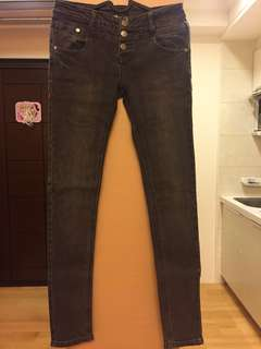 🚚 三釦牛仔褲