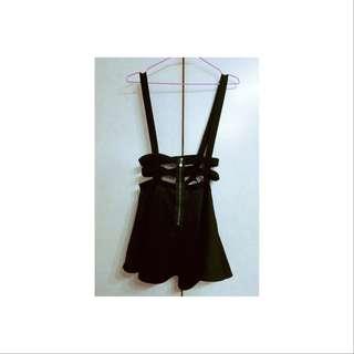 🚚 彈性珍珠拉練吊帶裙