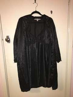 Nightie and robe set