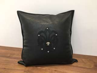 Chrome Hearts 童軍花抱枕 Pillow