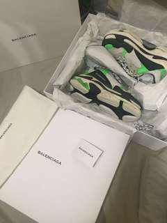 Balenciaga x mr porter triple s