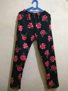Celana Panjang Wanita motif bunga 1