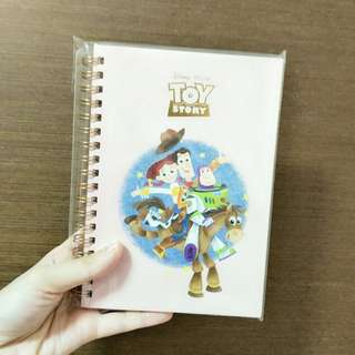🚚 Notebook - Toy's Story