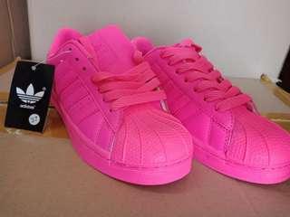 Sepatu adidas pink stabilo