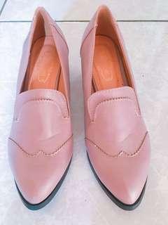 🚚 藕色粗跟尖頭鞋