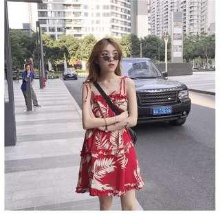 ⛱紅色印花碎花連衣裙 可調節吊帶裙 兩色可選 氣質款。無袖洋裝 小洋裝 沙灘風