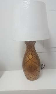 Hanf made ceramic lamp