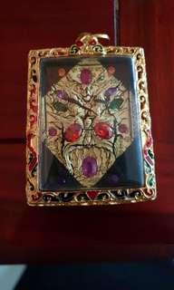 Kruba Krisanna Phra Trimurti