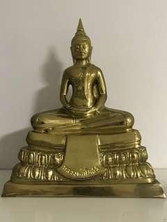 Luang Phor Sothorn statue