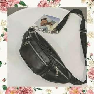 Waist bag girl