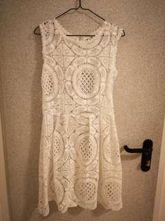 White lace dress 斯文裙