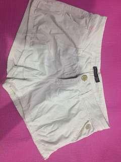 Celana pendek by stradivarius