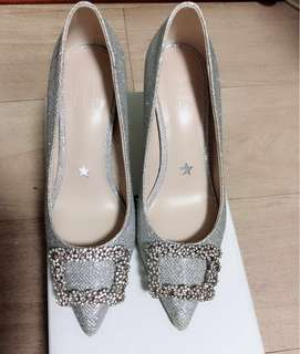 Pedder Red Pumps >Reagan-Crystal Embellished Pointed Pumps Silver