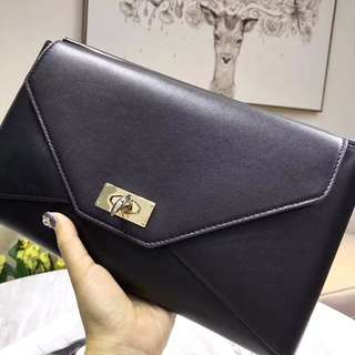 givenchy #size:30x17 cm 正品 🐭🐭🐭