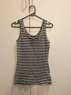 Black and white stripped singlet