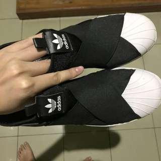 Adidas Slip On (baca deskripsi)