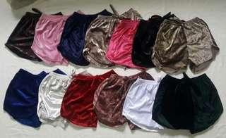 Trendy velvet shorts