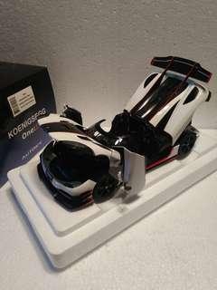 1:18 Koenigsegg One : 1 Pebble White