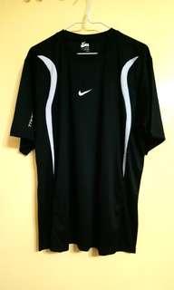 Nike 户外男裝T恤