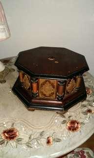 Gramaphone Box