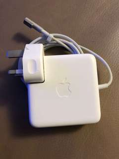 Apple computer adapter
