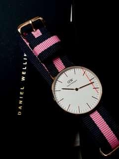 🔸️現貨全新🔸️Daniel Wellington 手錶 36mm    DW    首飾 (❗錶面紅線為保護膜❗)