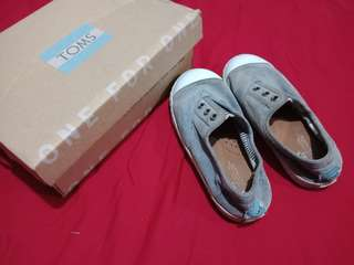Original TOMS.ages 2-4rs old..