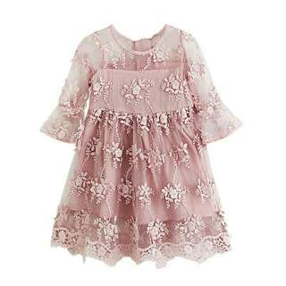 *FREE DELIVERY to WM only / Ready stock* Kids lace tulle dress each 5T/130 as shown in design/color. Free delivery is applied for this item.